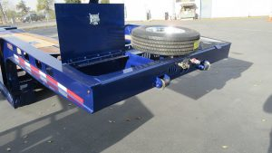Easy Load | Gooseneck with Toolboxes & Spare Tire Mount