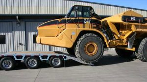 Murray Trailers | CAT740 Loading over the back