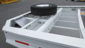 Murray Trailers | Gooseneck with Expanded Metal & Spare Tire Mount
