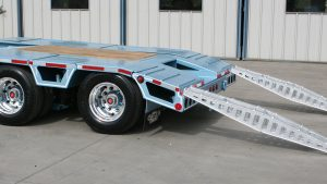 Murray Trailers | Mid-Tail with Loading Ramps