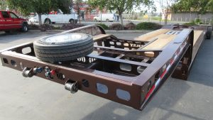 Murray Trailers | Pro Straight Corner Neck 1 Kingpin with Spare Tire